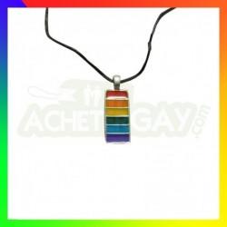 collier drapeau gay